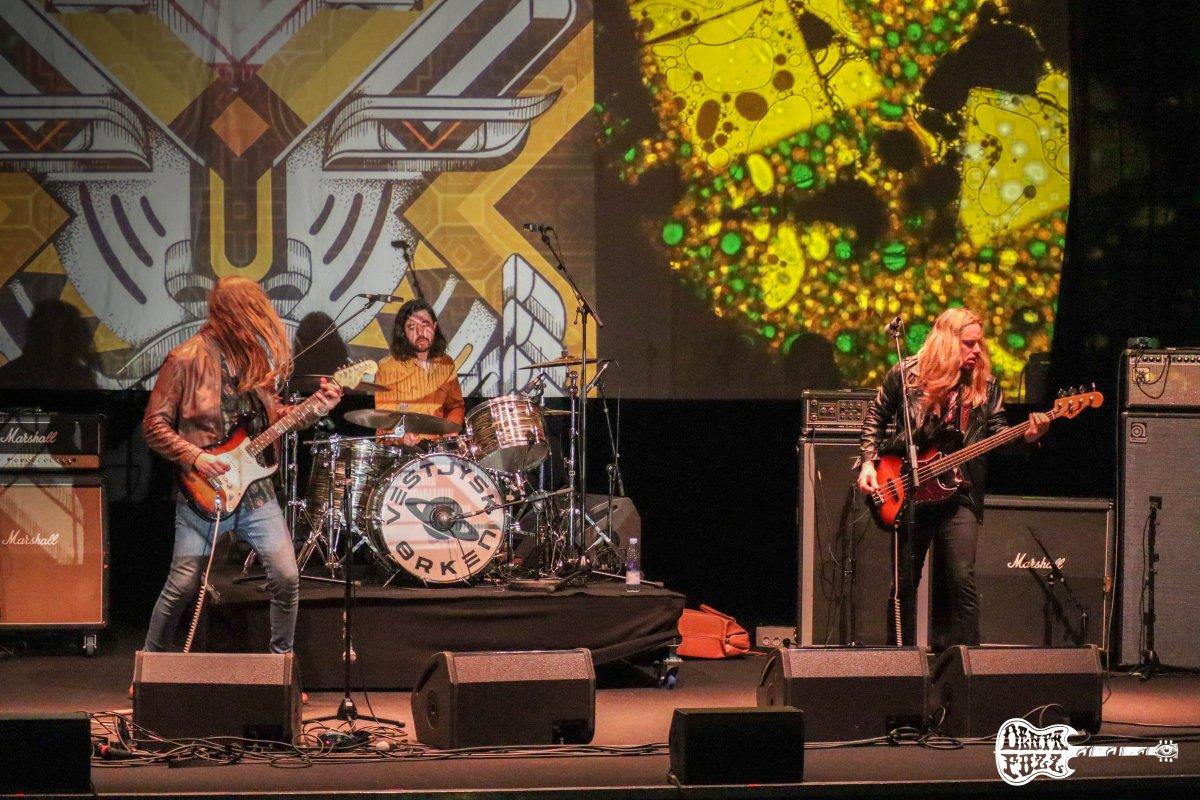 STEW nos presentan 'Heavy Wings', primer adelanto de su nuevo álbum 'TASTE'