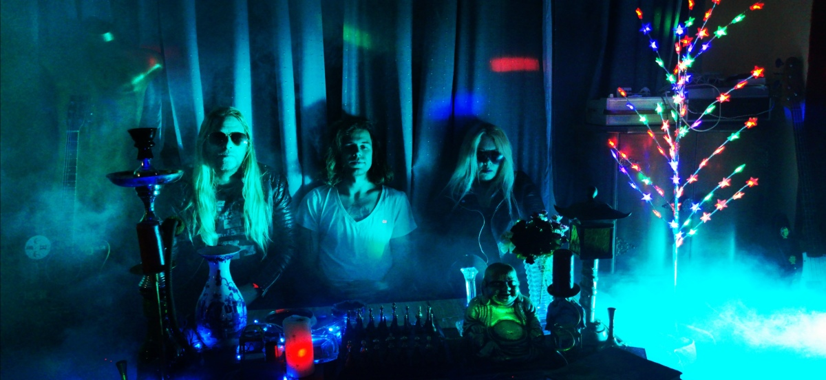 Video Premiere FILTHY HIPPIES 'Never WithoutYou'