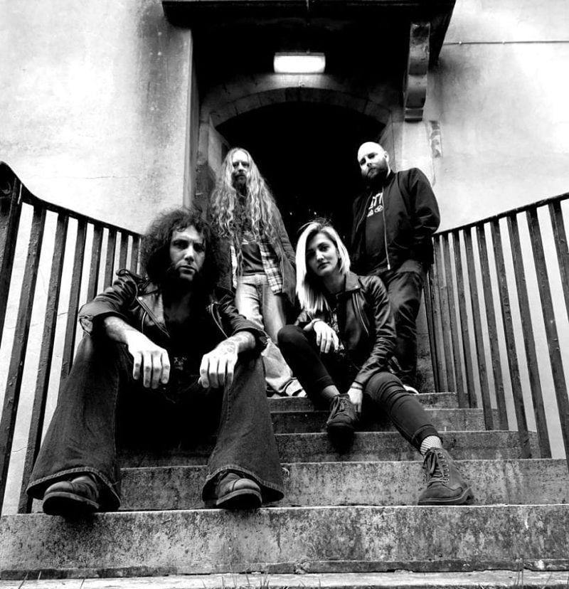 DEAD WITCHES publican 'D.I.E' adelanto de 'Doom Sessions Vol. 666' junto a WITCHTHROATSERPENT