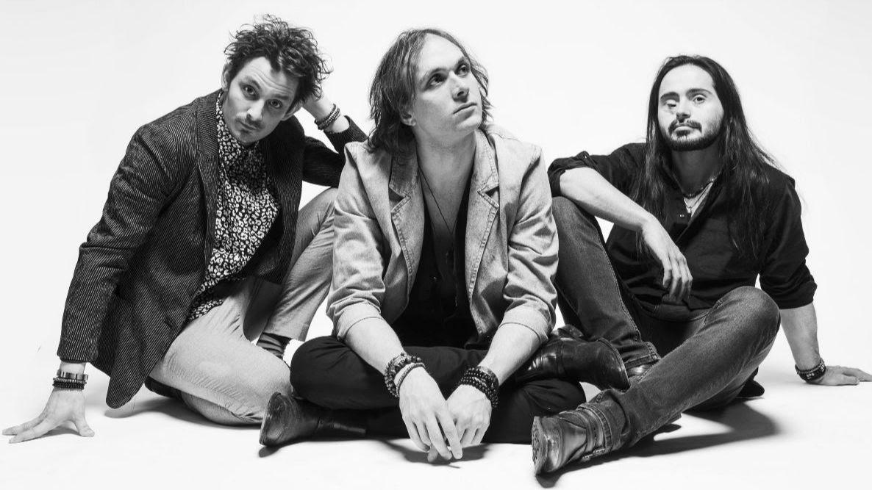 DIRTY SOUND MAGNET anuncian nuevo álbum y liberan su nuevo single 'Pandora's dream'
